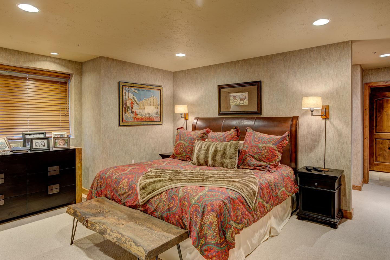 sudberry-bedroom-2