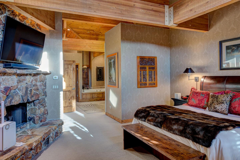 sudberry-master-bedroom-2