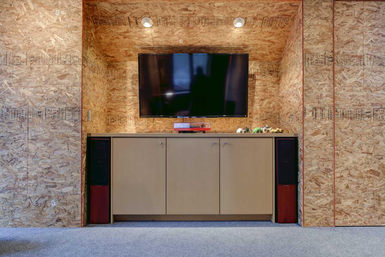 Stanton-House-Loft-entertainment-cabinets